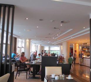 Frühstücksbereich nach 10 Uhr Hotel Holiday Inn Hamburg