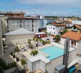 Blick auf den Pool Hotel Eden Lido Di Jesolo