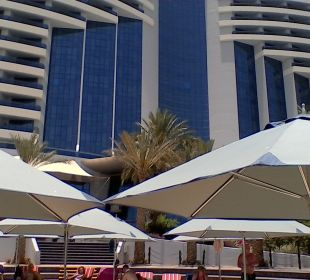 Außenansicht Hotel Le Meridien Al Aqah Beach Resort