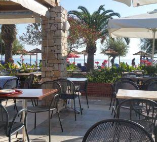 Blick auf das Meer beim Frühstück Hotel Three Stars Village