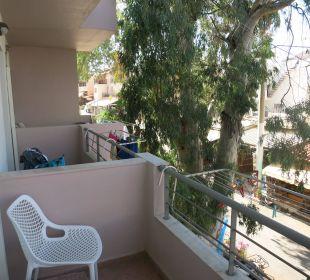 Balkon - Straßenseite Hotel Corissia Beach