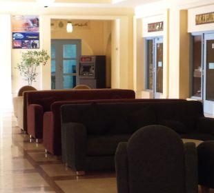 Lobby kolo restauracji glownej, obok sklepiki Strand Beach & Golf Resort Taba Heights