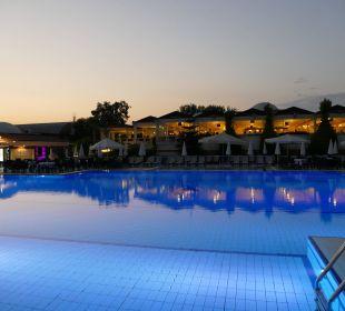 Abendstimmung am Pool Club Aldiana Side (Vorgänger-Hotel – existiert nicht mehr)