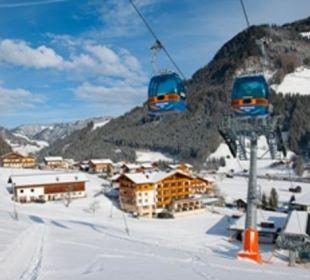 Winterbild mit der 8er Kabinenbahn Hotel Roslehen