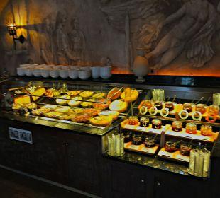 Excellentes Büffet im Restaurant Antica Roma Hotel Colosseo Europa-Park