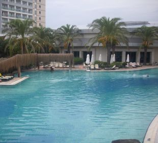 Pool mit Whirlpools Hotel Royal Wings