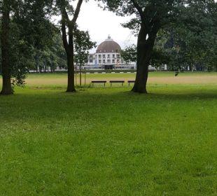 Hotel vom Park aus gesehen Dorint Park Hotel Bremen