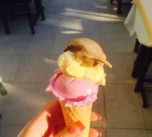 Мороженое каждый день  Hotel Krizantem