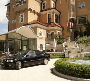 Hotelanfahrt Hotel Schloss Mönchstein
