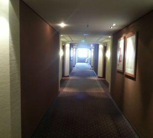 Junior Suite 1832 - Gang auf der 18. Etage Westin Grand München