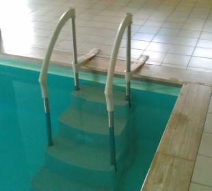 Schwimmbadtreppe Sonnenhotel Eichenbühl
