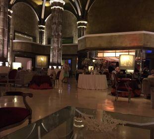 Die eindrucksvolle Empfangshalle Lopesan Villa del Conde Resort & Spa