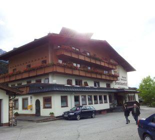 Ansicht Vorderseite/Straßenseite Hotel Brandauerhof