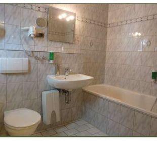 Zimmer Nr. 21 - Gartenzimmer - Badezimmeransicht Hotel Haus Hillesheim