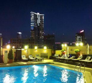 Schöner Pool auf dem Dach InterContinental Hotel Grand Stanford Hong Kong