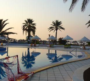 Morgens mal ohne Gäste, beruhigend. Royal Lido Resort & Spa