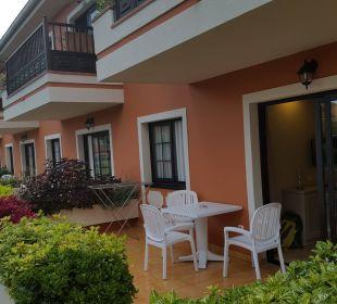 Kleine Terrasse... Apartments Ambassador