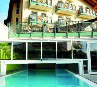 Schwimmbad mit Innen- und Außenbereich Landhotel Stemp