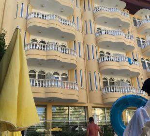 Erstes Gebäude Hotel Artemis Princess