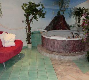 Whirlpool für 2 Personen in der Turmsuite Hotel Bergkristall