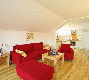 Wohnbereich mit Küche Ferienwohnungen Thannheimer