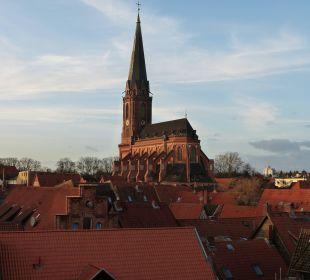Blick aus Suite: Altstadtdächer mit St. Nikolai Romantik Hotel Bergström