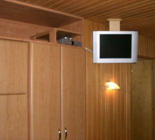 Schrank-TV FeWo 4-5 Personen Ferienwohnungen Annelies
