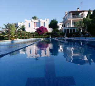 Großer Pool JS Hotel Cape Colom