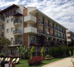 Blick auf unser Hotelgebäude Belek Beach Resort Hotel