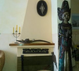 Kamin im Fernehr Zimmer Hotel Casa Pepe