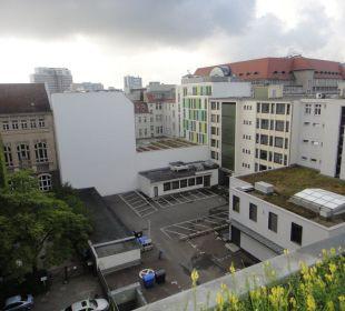 Widok z okna na KaDeWe Hotel Crowne Plaza Berlin City Centre