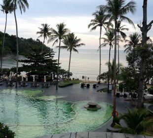 Pool, Strand und Palmen Hotel Mercure Koh Chang Hideaway