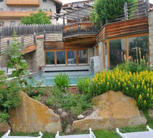 Pool und Anlage Hotel Taubers Unterwirt
