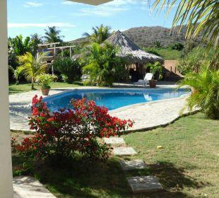 Garten mit Pool Ferienhaus Villa Cocuyo Apartments