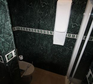 Rechts die große Dusche La Palma Princess
