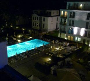 Blick auf Außenschwimmbecken Steigenberger Grandhotel and Spa