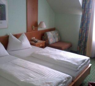 Sehr sauberes und großes Zimmer Thermenhotel Kurz