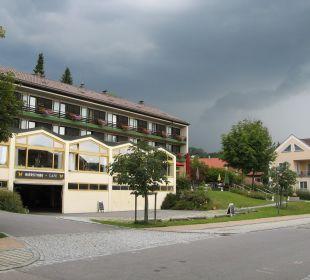 Zugang Terrasse (rechts) Hotel Falter