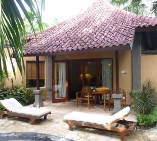 Villa (vom Pool aus gesehen) Villas Parigata Resort