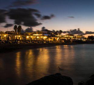 Stand Annabelle Beach Resort bei Nacht AKS Annabelle Beach Resort