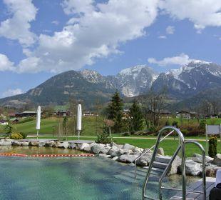 Alpenpanorama vom Naturbadesee aus Wellnesshotel Zechmeisterlehen