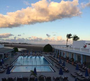Blick von der Lobby Richtung Pool  Hotel Las Costas