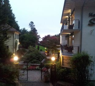 Vom Thermenpark  zum Hotel Hotel Schlossberg