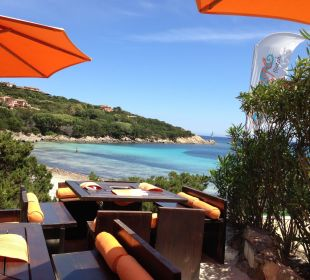 Orange Beach mit Blick auf Cala Granu Grand Hotel in Porto Cervo