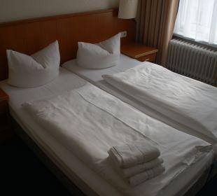 Doppelbett in unserem Zimmer Hotel Terminus