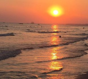 Sonnenuntergang am Strand Hotel Side Sun
