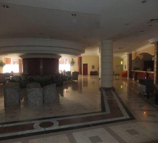 Lobby w hotelu Stella Di Mare Beach Resort & Spa Makadi Bay