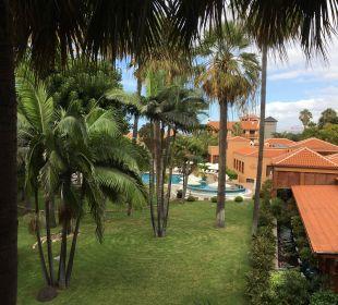 Ausblick Zimmer 152 auf Spa und Pool Hotel Botanico