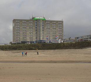 Vom Strand aus Center Parcs Park Zandvoort Strandhotel