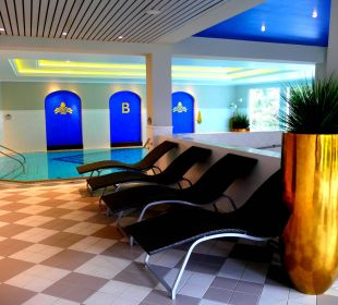 Ruheraum im Swimming Pool MONDI-HOLIDAY First-Class Aparthotel Bellevue